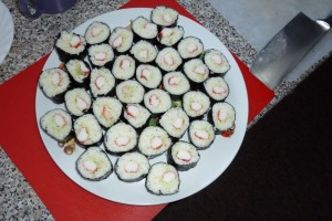 Nakrájená rolka sushi